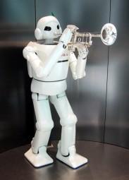 robot w trumpet